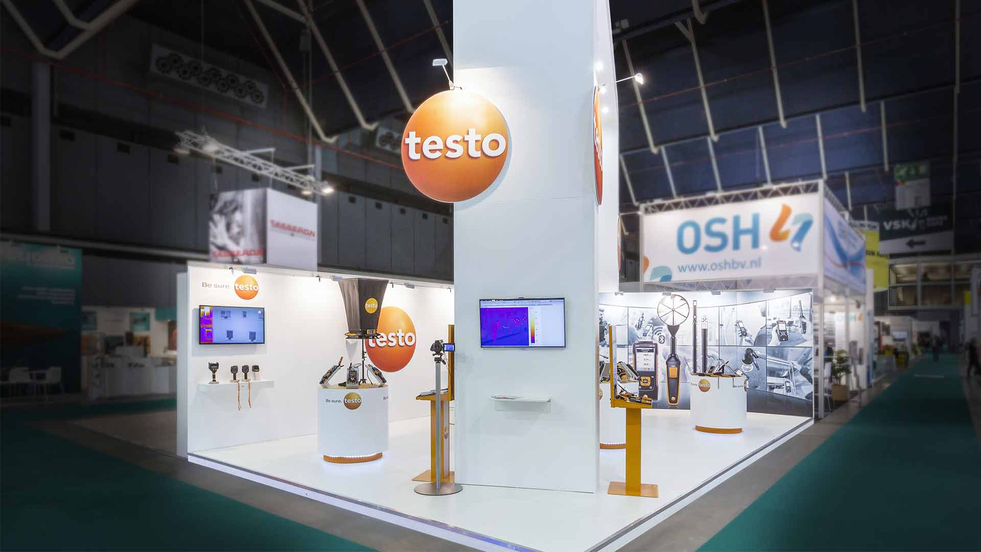Exhibition Stand Installer Jobs : Expospaces provided the exhibition stand for testo at the vsk